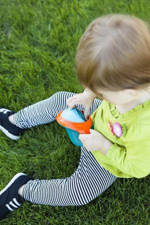 Kubek na przekąski dla dzieci 175ml - pojemnik na żywność z uchwytami Boon