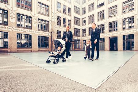Wózek spacerowy dla dzieci z osłonką przeciwdeszczową LXRY Black kolekcja 2018, MINI by Easywalker Buggy+